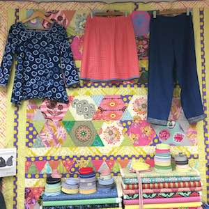 Loo's samples for her Berry Quilt & Co. classes. View them in store